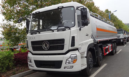 【高清无水印】天龙25吨油罐车图片