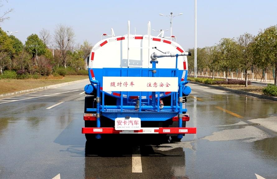 东风8吨洒水车整车图片D