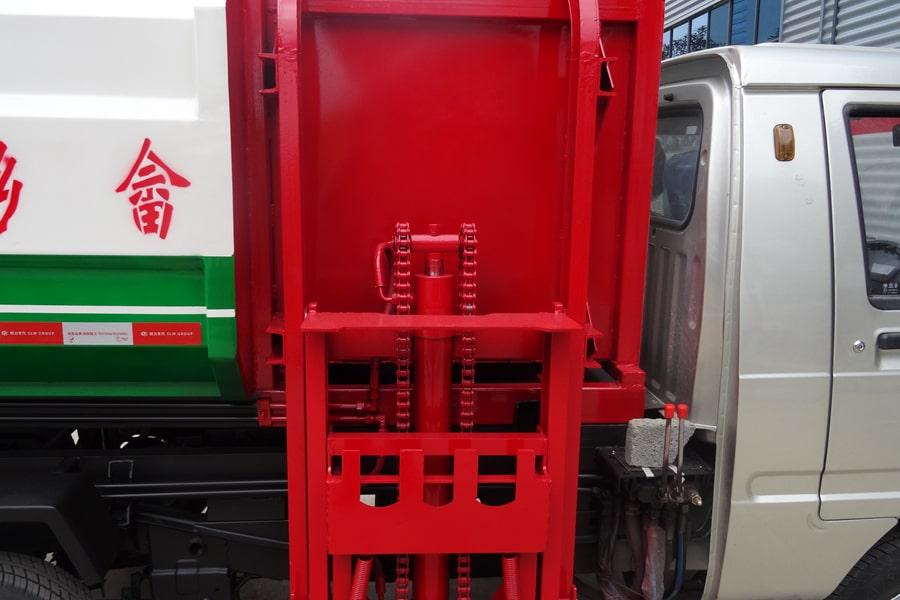 福田3方挂桶式垃圾车挂桶装置图片