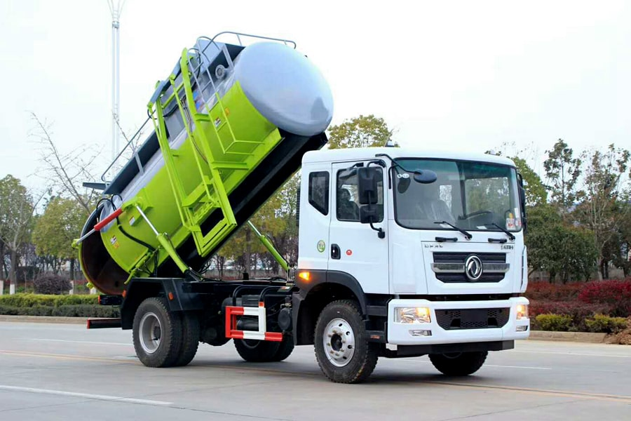 东风D9餐厨式垃圾车(右前方图片)