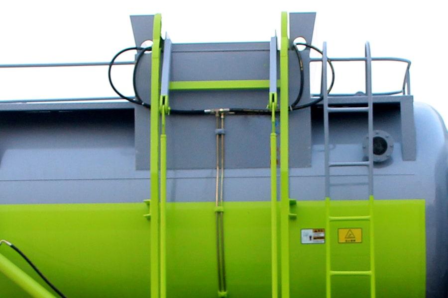 东风D9餐厨式垃圾车(上装爬梯图片)