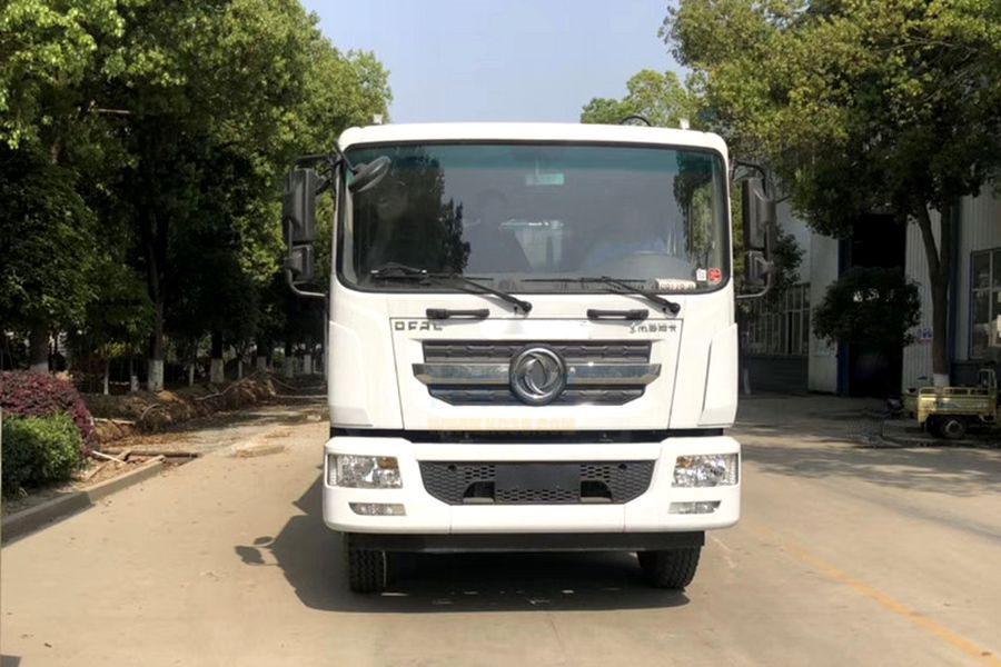东风D9餐厨式垃圾车(前方图片)