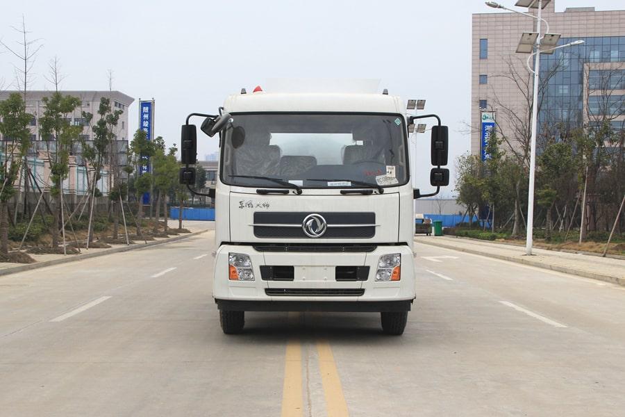 东风天锦餐厨式垃圾车前侧图片
