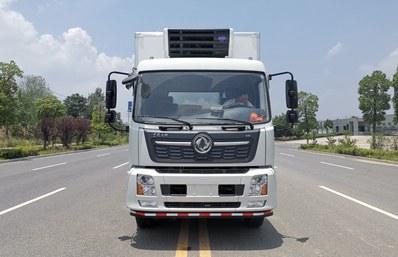 东风天锦6.5米冷藏车正前图片