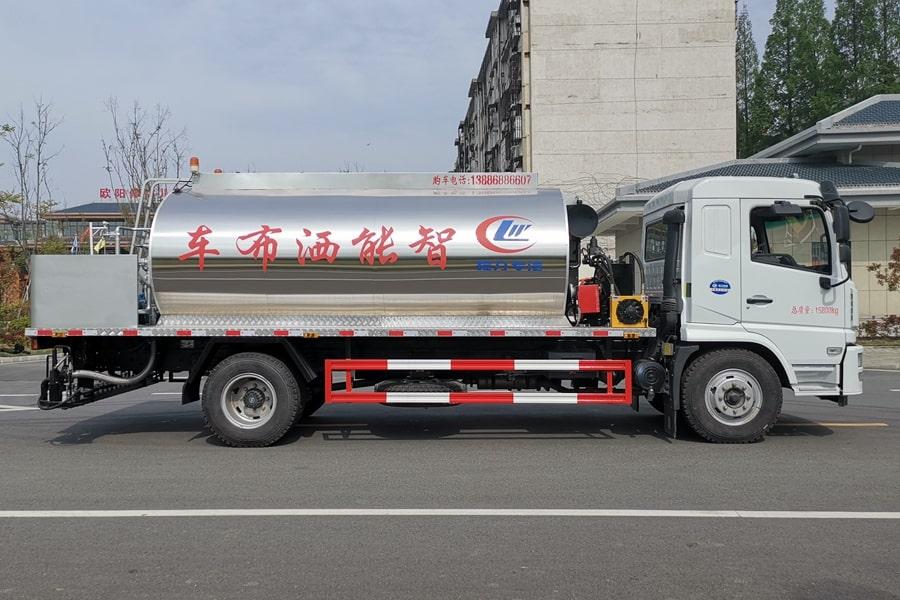 陕汽12吨沥青洒布车正侧图片