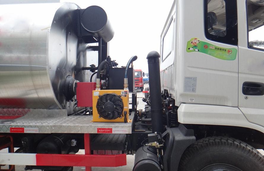 东风特商12吨沥青洒布车散热器及燃烧器图片