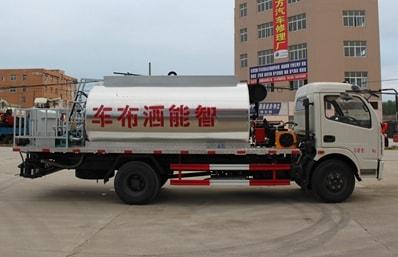 东风6吨沥青洒布车优惠促销中