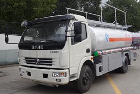 2018年最新东风9吨铝合金油罐车价格