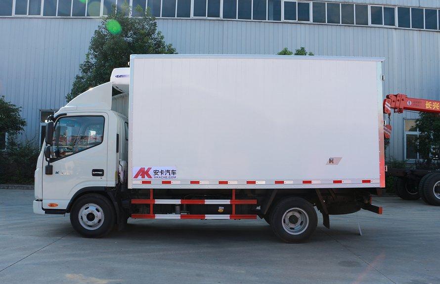 江淮帅铃4.2米冷藏车正侧图片