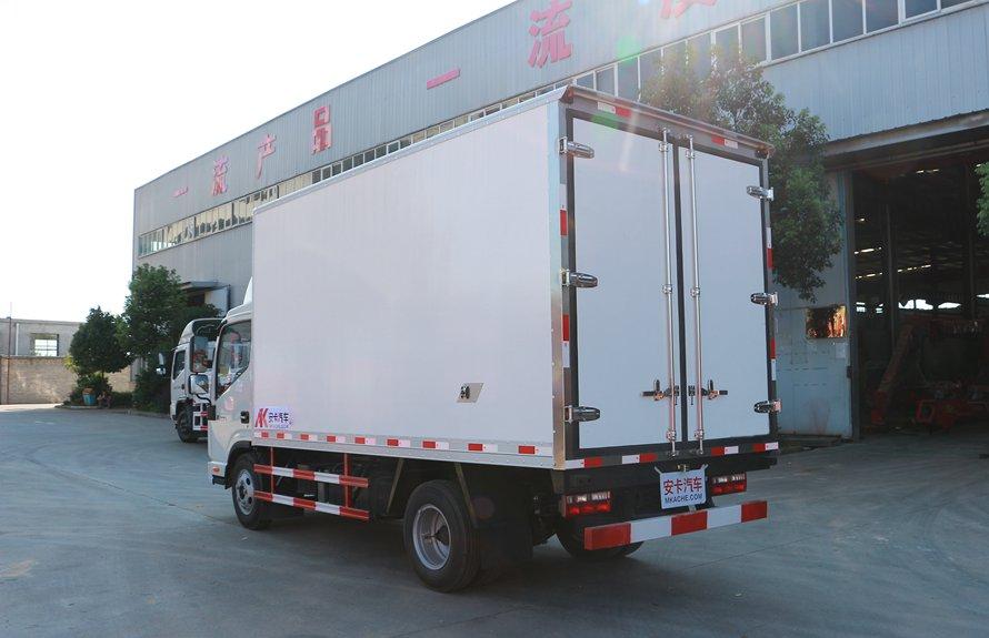 江淮帅铃4.2米冷藏车斜后图片