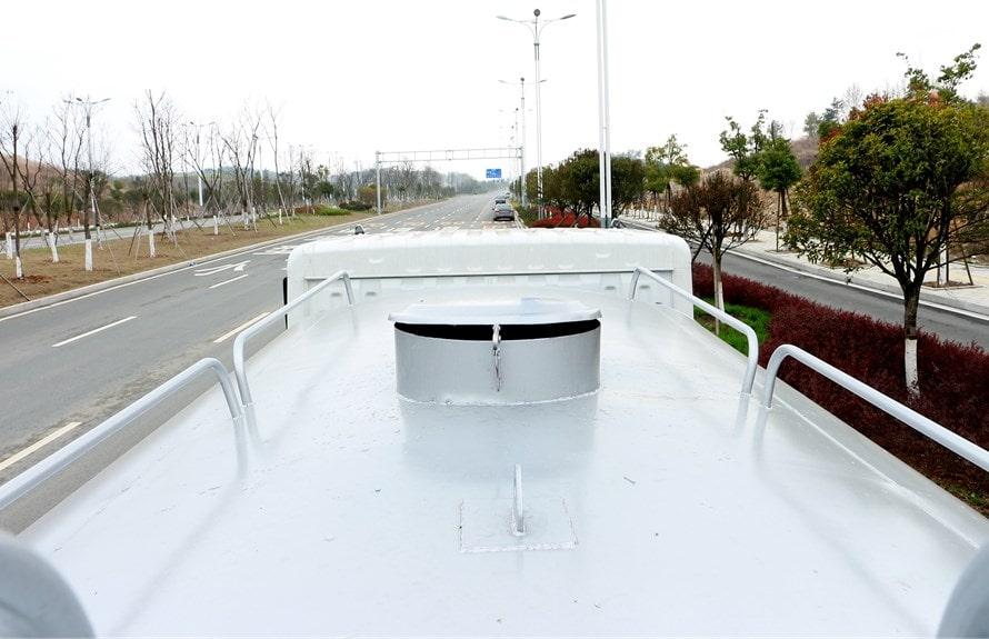 东风专底12吨洒水车罐顶图片