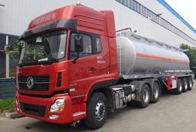 30吨半挂油罐车