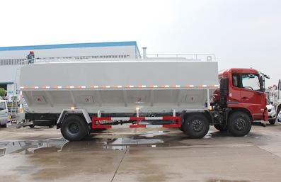 东风天锦10吨散装饲料车正侧面实拍
