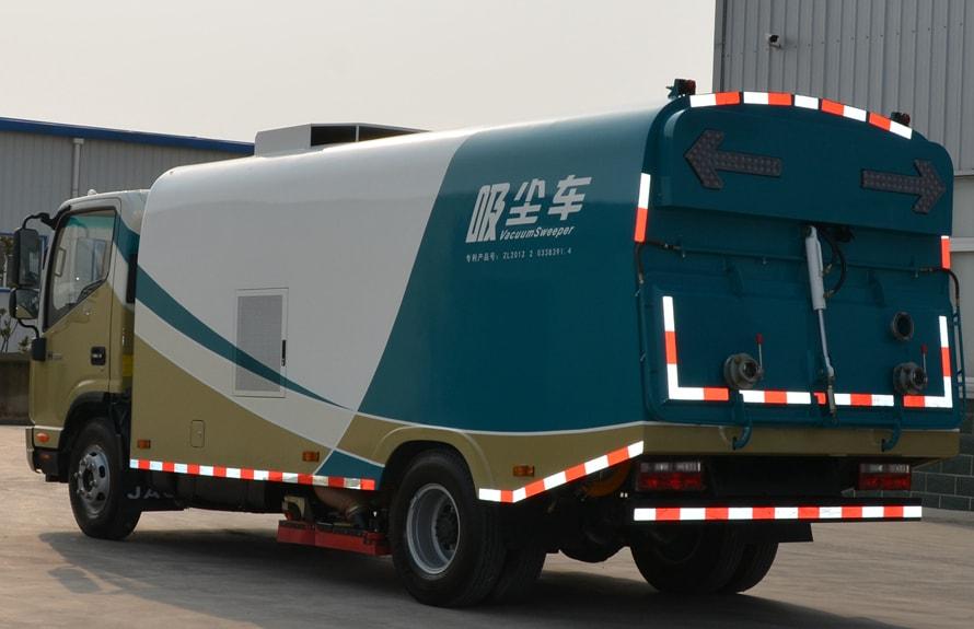 江淮吸尘车图片(车头向左后45度)