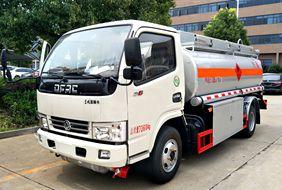 东风5吨小型加油车