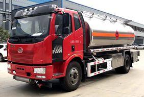 解放14吨铝合金油罐车