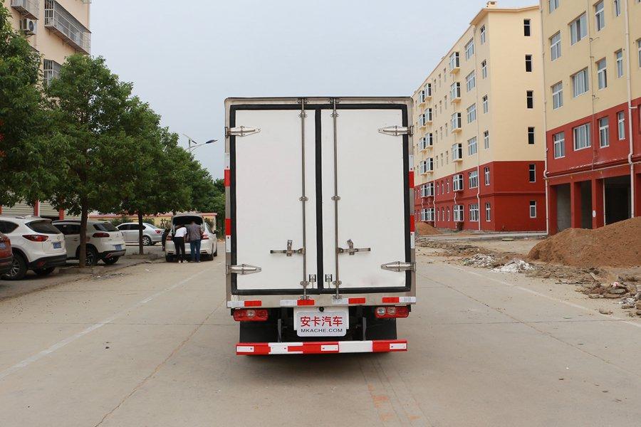 跃进小福星3.2米小型冷藏车正后图片