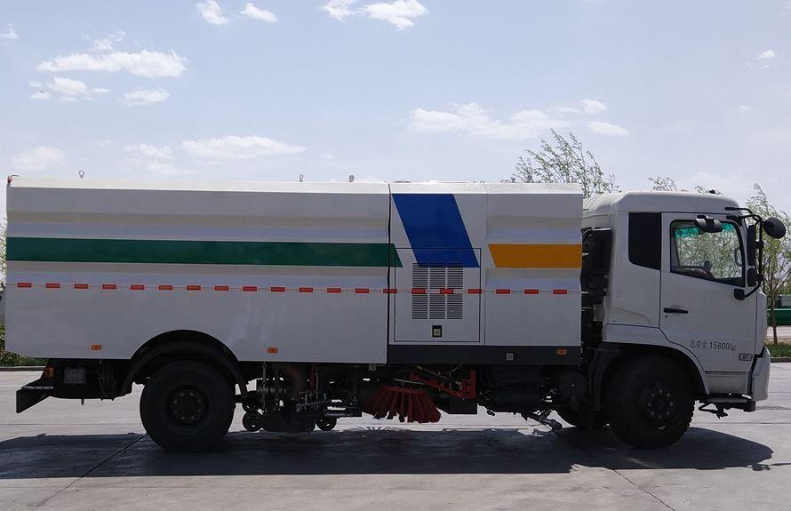 东风天锦洗扫车外观图片(车头向右正侧)