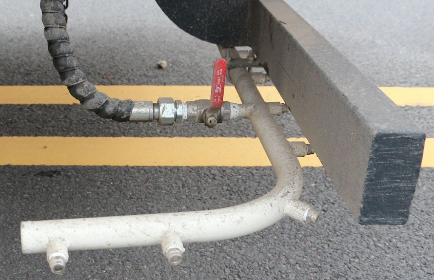 多利卡洗扫车高压后喷雾系统