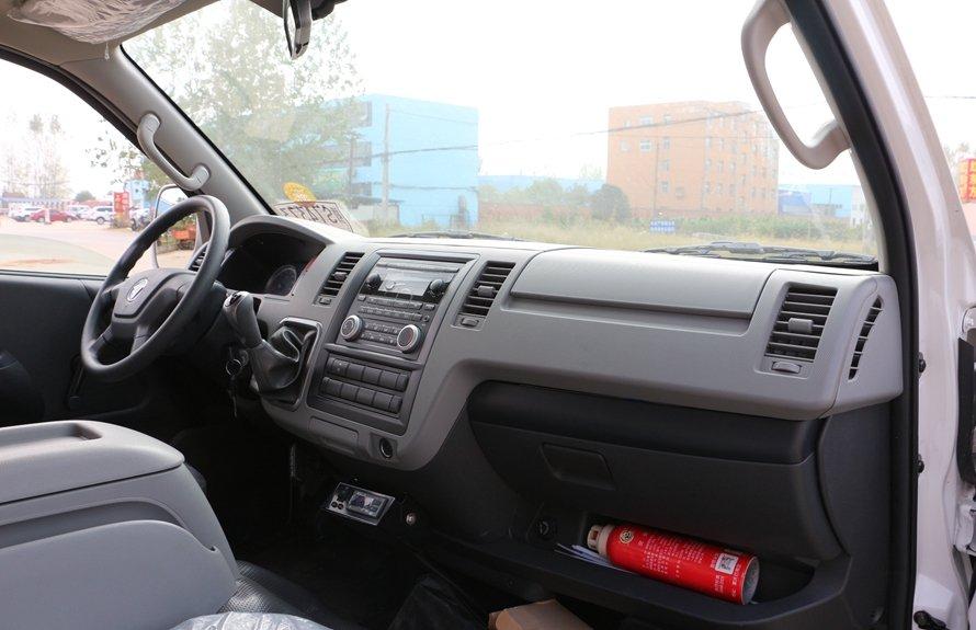 福田G7冷藏车副驾驶图片