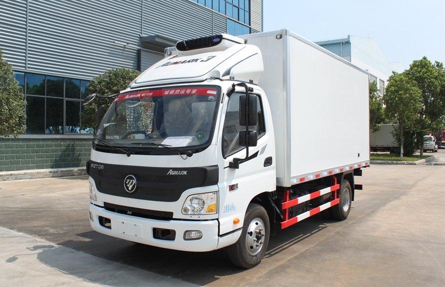 福田欧马可4.2米冷藏车斜前图片