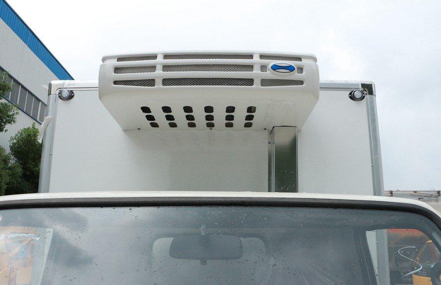 江铃顺达4.2米冷藏车厢体冷凝器图片