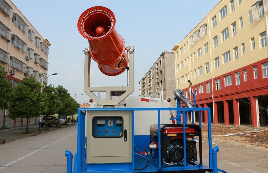 东风5吨雾炮车风机机组图片