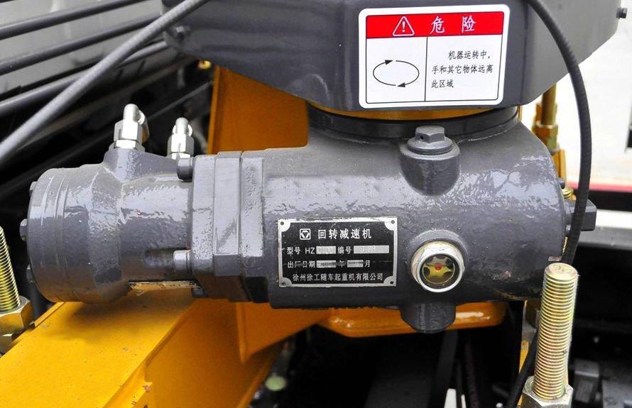 东风2吨小型随车吊减速机图片