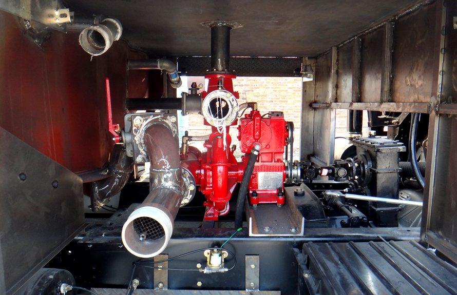 东风153消防洒水车高压水泵图片