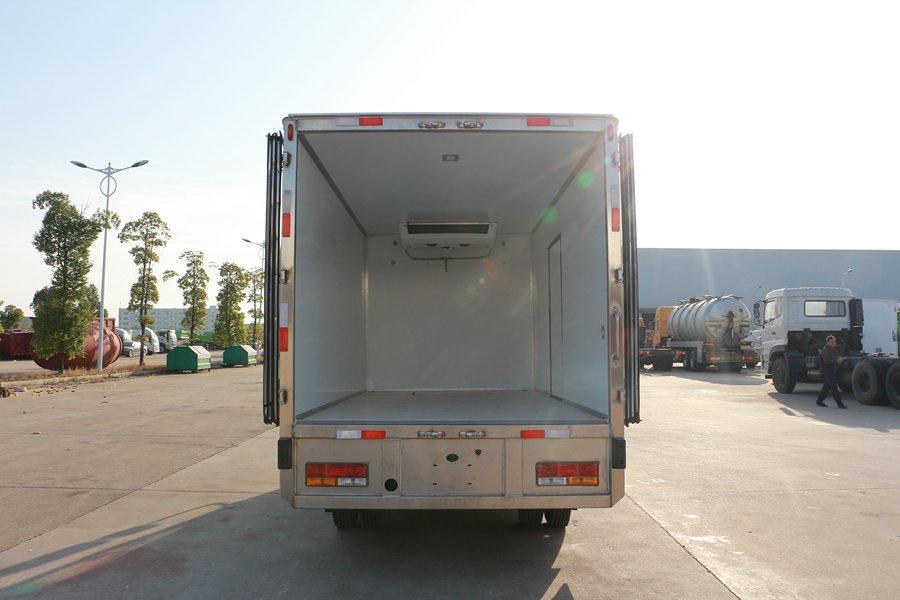 大运4.2米纯电动冷藏车厢体内图片
