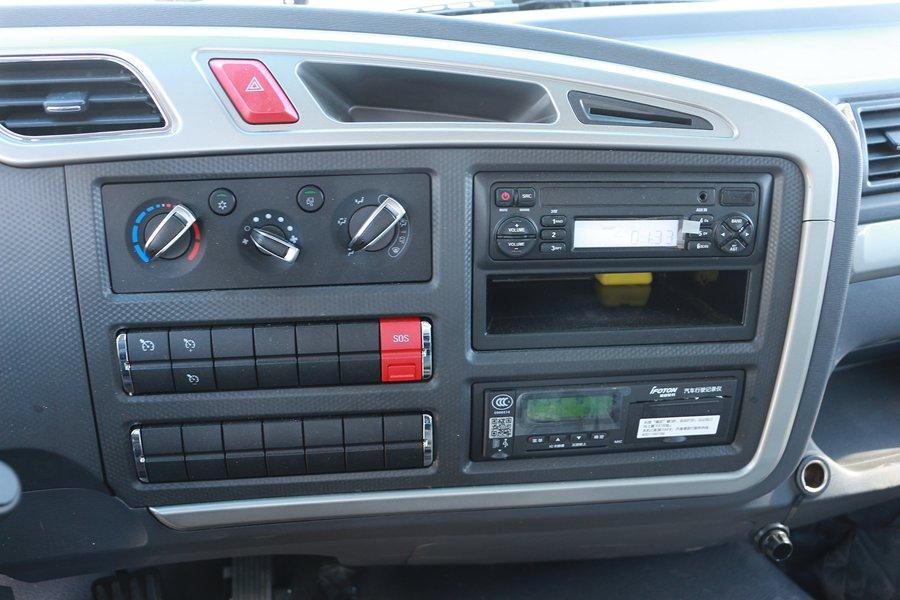 福田欧马可S5冷藏车中控台图片