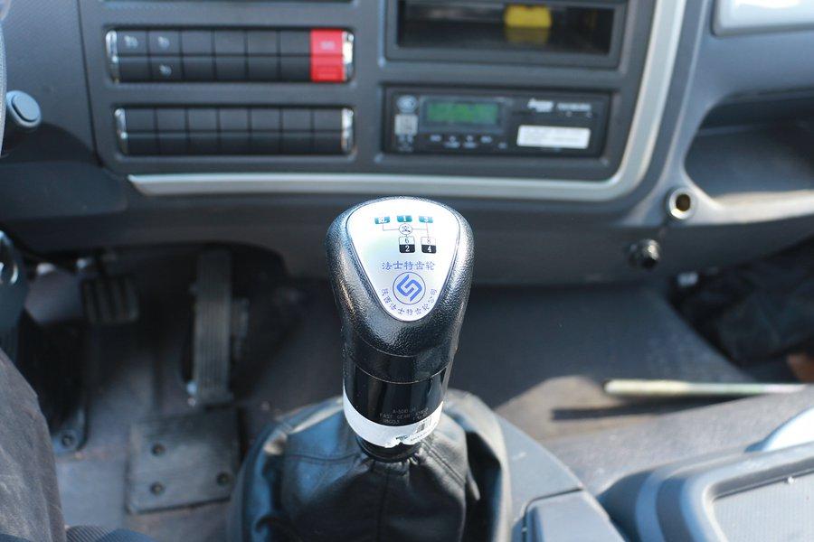 福田欧马可S5冷藏车变速箱图片