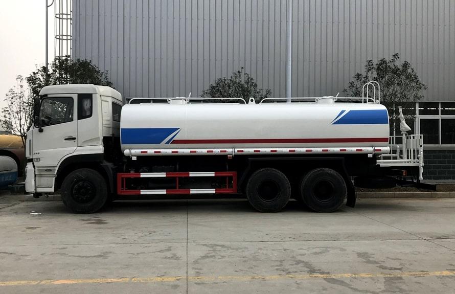 东风天龙20吨洒水车整车图片B